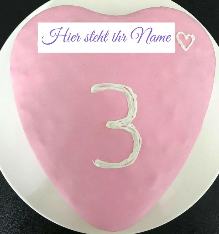 rosafarbener Regenbogenkuchen mit der Zahl 3