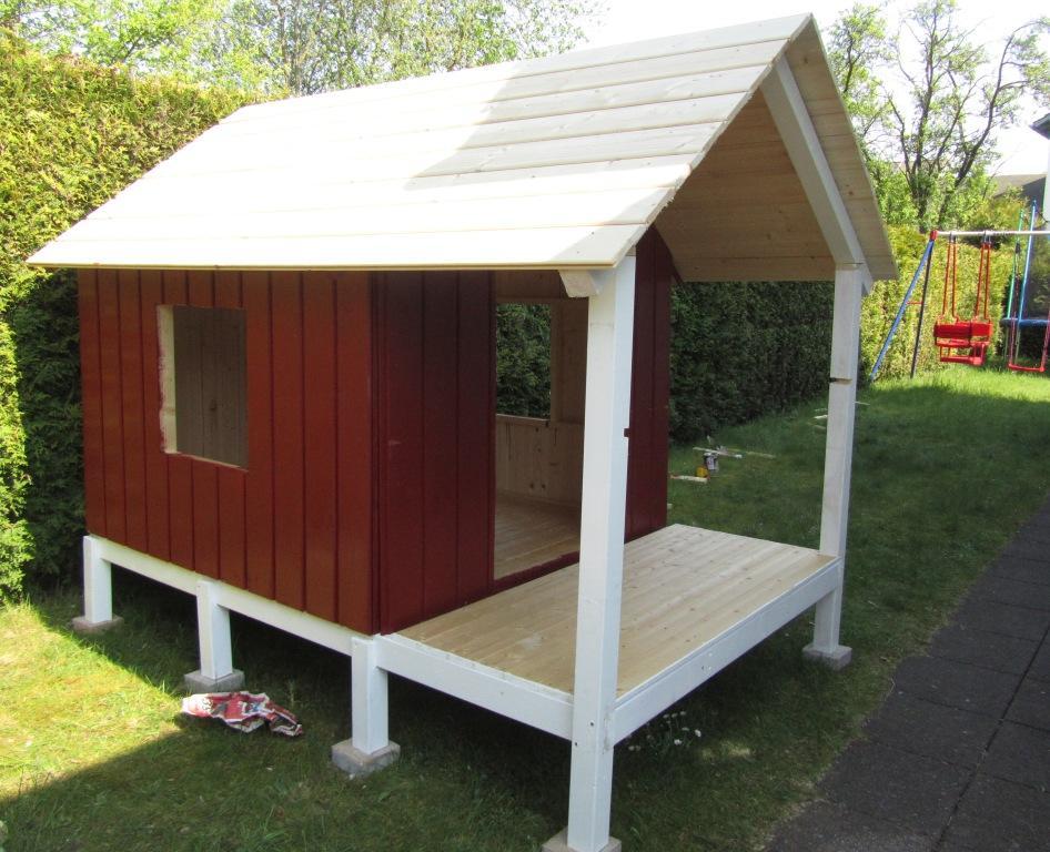DIY-Projekt: Garten-Spielhaus für Kinder selber bauen - Das Dach