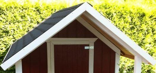 DIY-Projekt: Garten-Spielhaus für Kinder selber bauen - Verblendung Dach