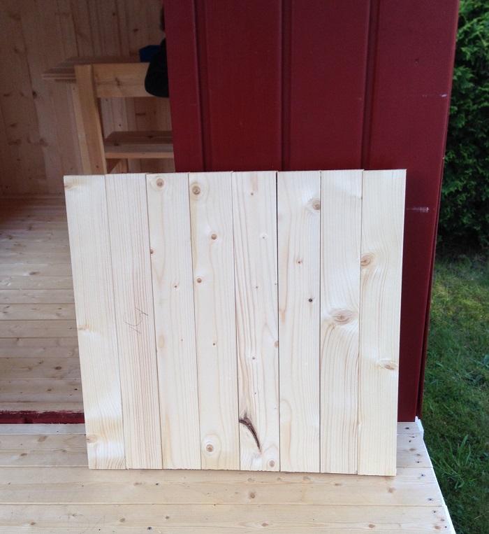 DIY-Projekt: Garten-Spielhaus für Kinder selber bauen - Türflügel