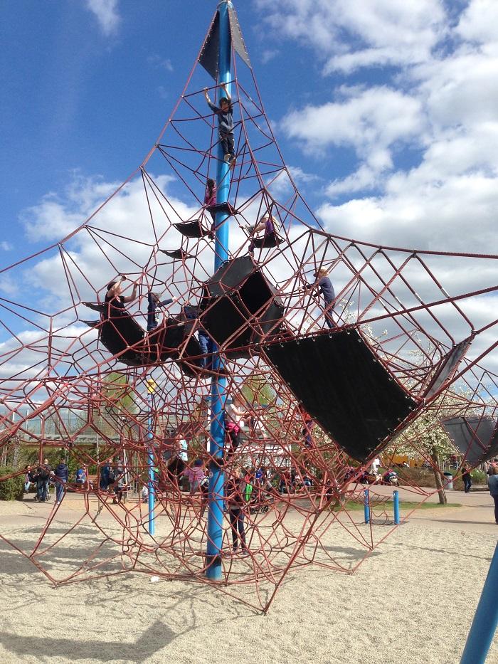 Ausflugstipp mit Kindern: Playmobil FunPark, Okta-Kletternetz