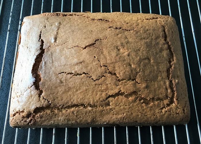 Rezept Raketen-Kuchen zum Kindergeburtstag fertig gebacken