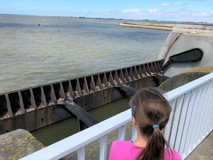 Nordsee mit Kindern - Urlaub in Friedrichskoog: Eidersperrwerk