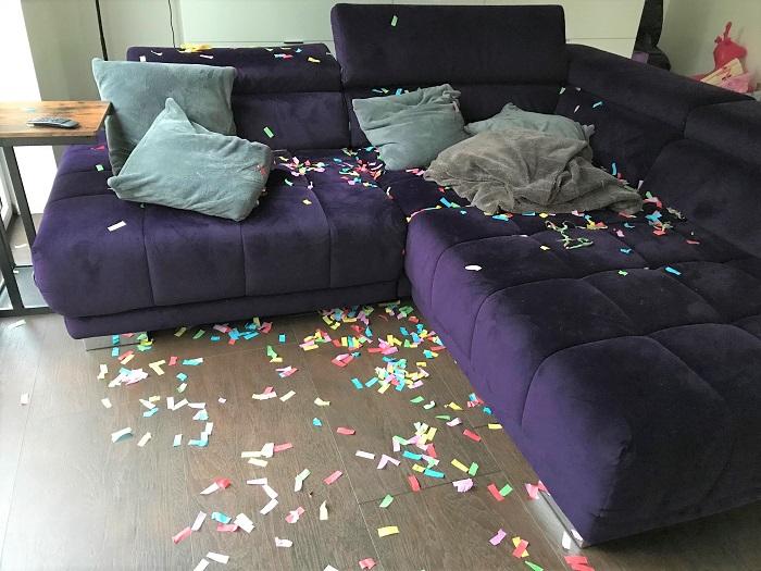 30am30 - 30 schöne Momente im Januar 2021 - Wohnzimmer nach der Silvester-Party