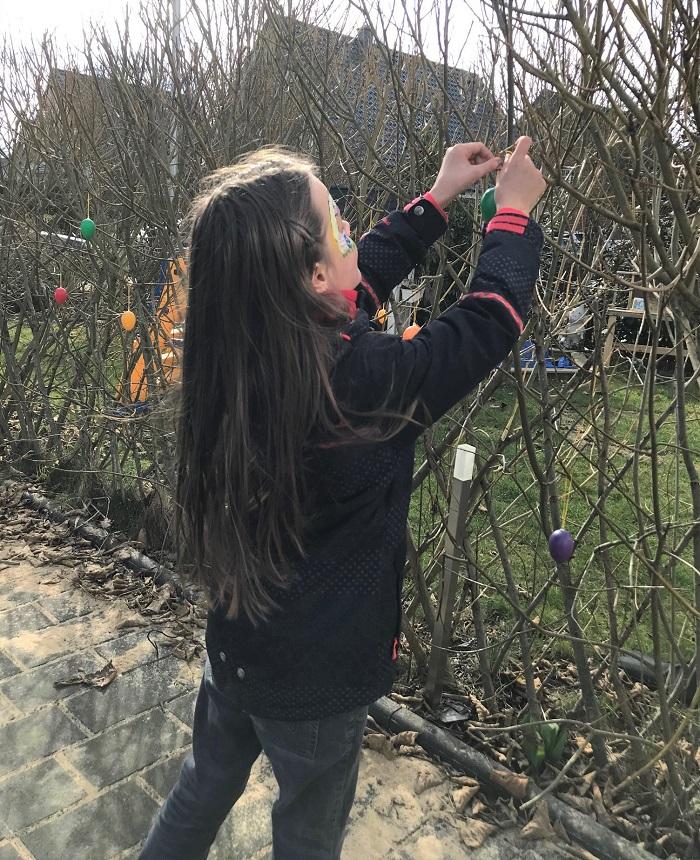 30am30 - 30 schöne Momente im März 2021 - Ostereier aufhängen