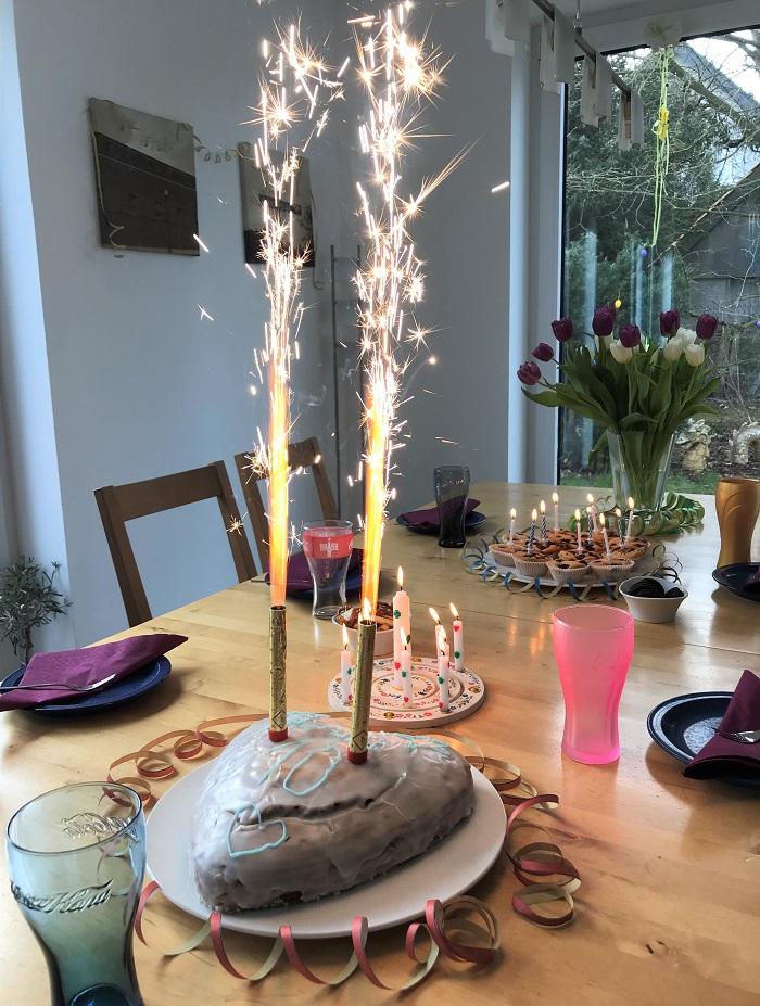 Rezepttipp: Zebrakuchen vegan - Zebrakuchen mit Tischfeuerwerk