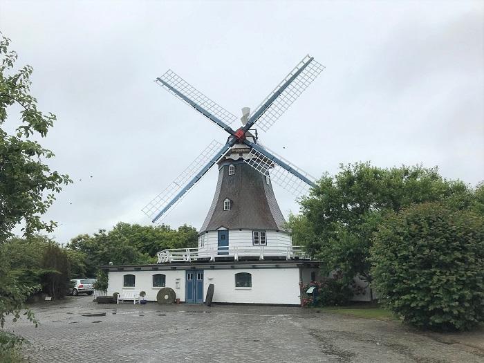 Nordsee mit Kindern - Urlaub in Friedrichskoog: Windmühle
